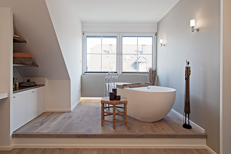 Jacobs die ausumbauer modernisierung sanierung und - Wohnzimmer podest ...
